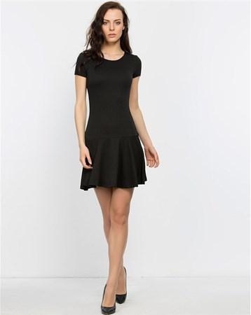Siyah Kısa Kollu Eteği Volanlı Elbise Heva