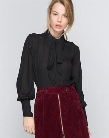 16104 Kravatlı Siyah Gömlek